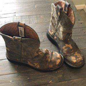 Ariat Fatbaby camouflage boots
